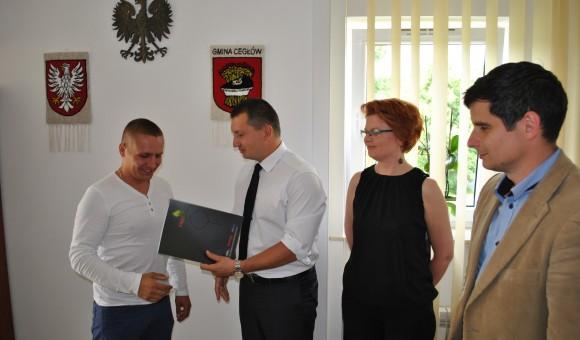 Podpisanie umowy na termomodernizację ZS w Piasecznie
