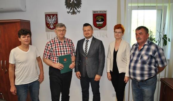 Podpisanie umowy na budowę Centrum Organizacji Pozarządowych z siedzibą OSP w Cegłowie