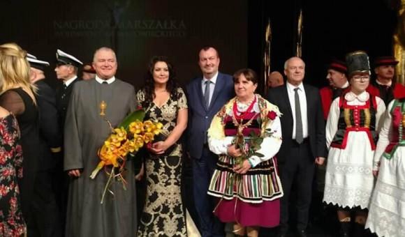 Nagroda Marszałka dla kapłana Grzegorza
